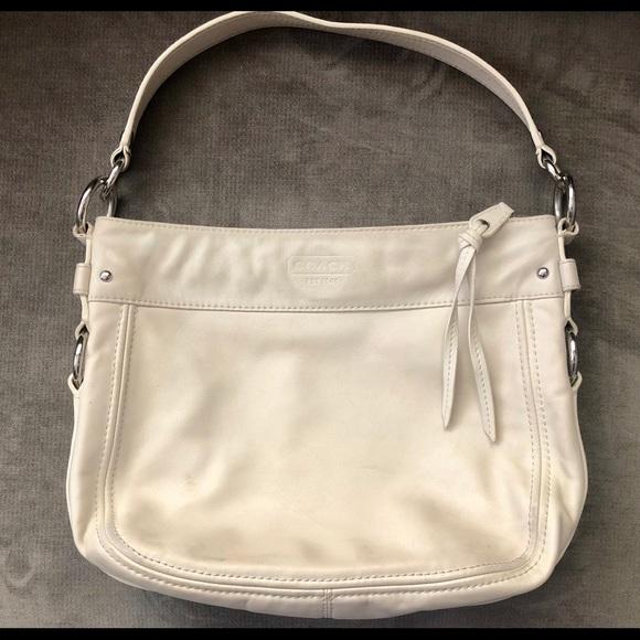 Coach Zoe White Leather Hobo Shoulder Bag   Purse. Coach.  M 5b803d7647736872236e3e11. M 5b803d7874359bdb5ab28617.  M 5b803d7a0e3b860f89cb0d1d 3847483e50517